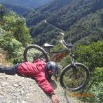 La Paz - VTT (une chute évitée de belle!)