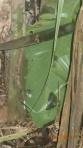 Jungle - et les gigantesques fourmis noires tueuses ( ce n'est pas un couteau a patata ça, c'est une machette!)