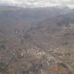 La Paz avec la chaîne de montagne en arrière plan