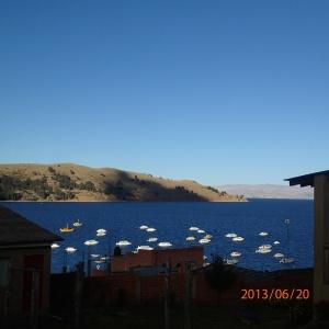 Copacabana - la vue sur le Lac Titicaca de notre hôtel...pas chaud car très venteux