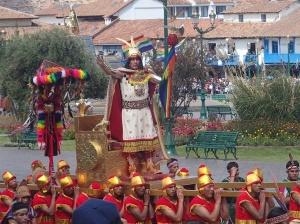 Cusco - L'empereur Inca qui ne marchait pas bien sûr!