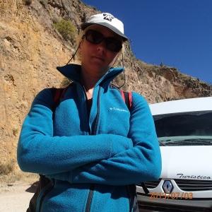 Arequipa - Tour au Cañon del Rio Colca: hum...je pense que la madame commençait a en avoir un petit marre des visites attrapent touriste et des privilèges de d'autre groupe de touriste embarqué avec nous le matin
