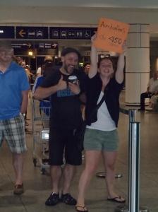 Arrivés à l'aéroport à Mtl...mais c'est pour nous! Hello Marjo! Hello Matt! Wow ici on peut se mettre en short? Enfin la chaleur.... Bienvenu à la maison!!!