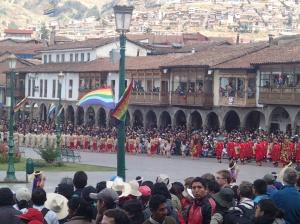 Cusco - une très petite partie des figurants , danseurs et musiciens