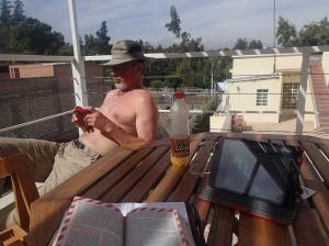 Arequipa - Petite pose au soleil sur la terrasse de notre lodge et écriture