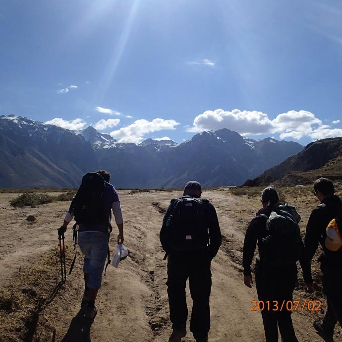 Arequipa - Tour vers le Cañon del Rio Colca: départ du trek. Jour 1 on fera 18 km en descente et en montée.