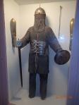L'habit pouvait peser 15-20 kilo et l'épée un autre 7 kilo...fallait que le cheval soit fort hein?