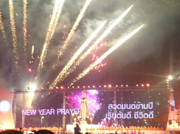Le nouvel an tout en prière avec les moines boudhistes!